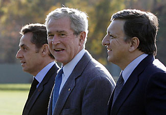 Bush with French President Nicolas Sarkozy and European Commission\'s Jose Barroso.